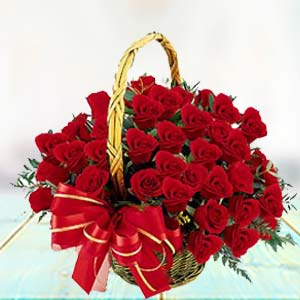 Red Rose Basket: Engagement Vapi,  India