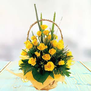 Yellow Rose Basket: Anniversary flowers Khanna,  India