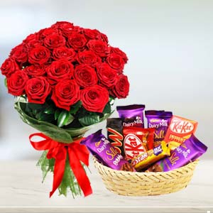 Red Roses Combo: Valentine's Day Chocolates Bareilly,  India