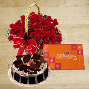 Roses With Cakes And Cadbury: Valentine's Day Faizabad,  India