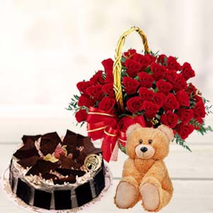 Roses Combo With Teddy: Valentine Gifts For Wife Haridwar,  India