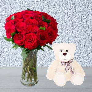 Roses Combo With Vase And Teddy: Birthday flowers Haridwar,  India