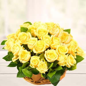 Basket Of Yellow Roses : Birthday flowers  India