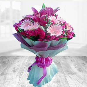 Bouquet Of Mix Flowers: Birthday flowers Solapur,  India