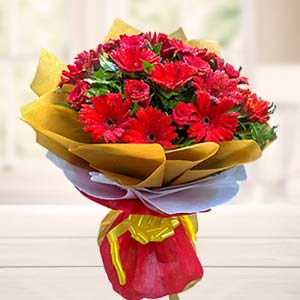 Mix Red Flowers Bouquet: Gifts For Boyfriend Chennai,  India