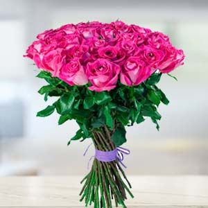 Bunch Of Pink Roses: Valentine's Day Gifts For Girlfriend Haldwani,  India