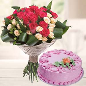 Roses Bunch With Strawberry Cake: Karwa Chauth Gifts Mumbai,  India