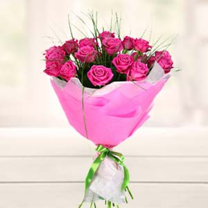 Bouquet Of Pink Roses: Karwa Chauth Gifts Banaras,  India