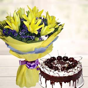 Yellow Lilies With Vanila Cake: Unique birthday gifts Ambala,  India