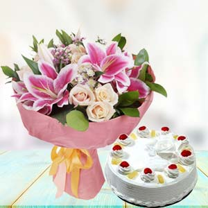 White Roses With Pink Lilies Combos: Unique anniversary gifts Chandigarh,  India