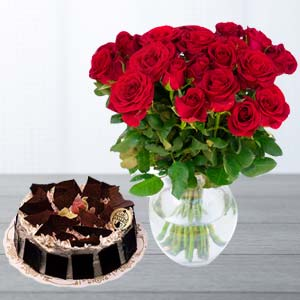 Red Roses With Rich Chocolate Cake: Birthday flowers & cake Pune,  India