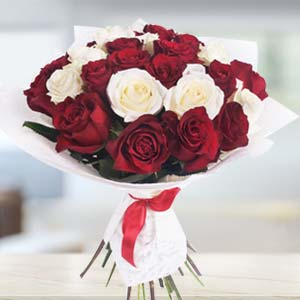 Bouquet Of Roses: Valentine Gifts For Wife Dhanbad,  India