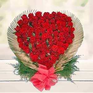 Red Rose Heart: Birthday flowers Sikar (rajasthan),  India