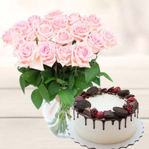 Flowers With Oreo Cake: Mothers day Dehradun,  India