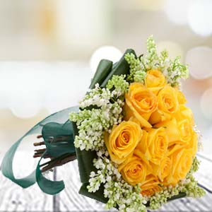 Yellow Roses: Birthday gifts for her Nasik,  India