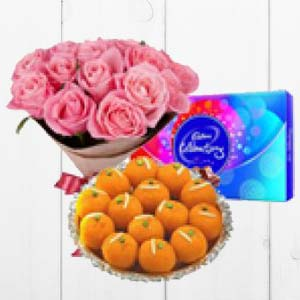 Pink Roses With MotiChoor Ladoo: Birthday flowers  India