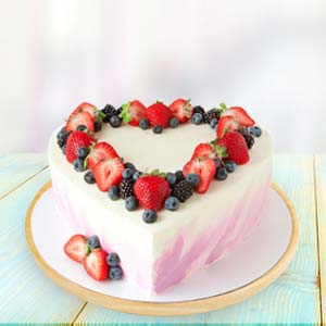 Heart Shape Fruit Cake: Valentine's Day Gifts For Boyfriend Manesar,  India