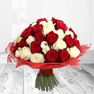 Mixed Red And White Flowers: Valentine Gifts For Wife Bhatinda,  India